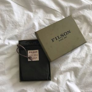 Filson Bags - Filson Outfitter Leather & Canvas Bifold Wallet
